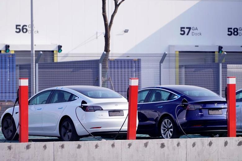 In China Laufen Erste Tesla Autos Vom Band Reuters Com