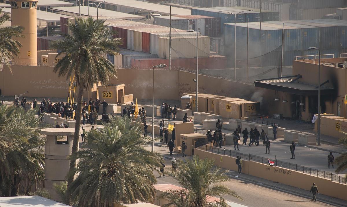 Iraqi militias start withdrawing from U.S. Embassy