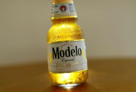 UPDATE 2-Constellation raises profit forecast after beer-driven quarter