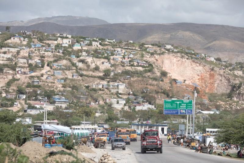 Dix ans après un tremblement de terre dévastateur, les Haïtiens luttent pour survivre