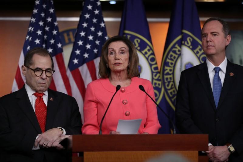 La Chambre des États-Unis vote pour renvoyer les accusations de destitution de Trump au Sénat pour procès