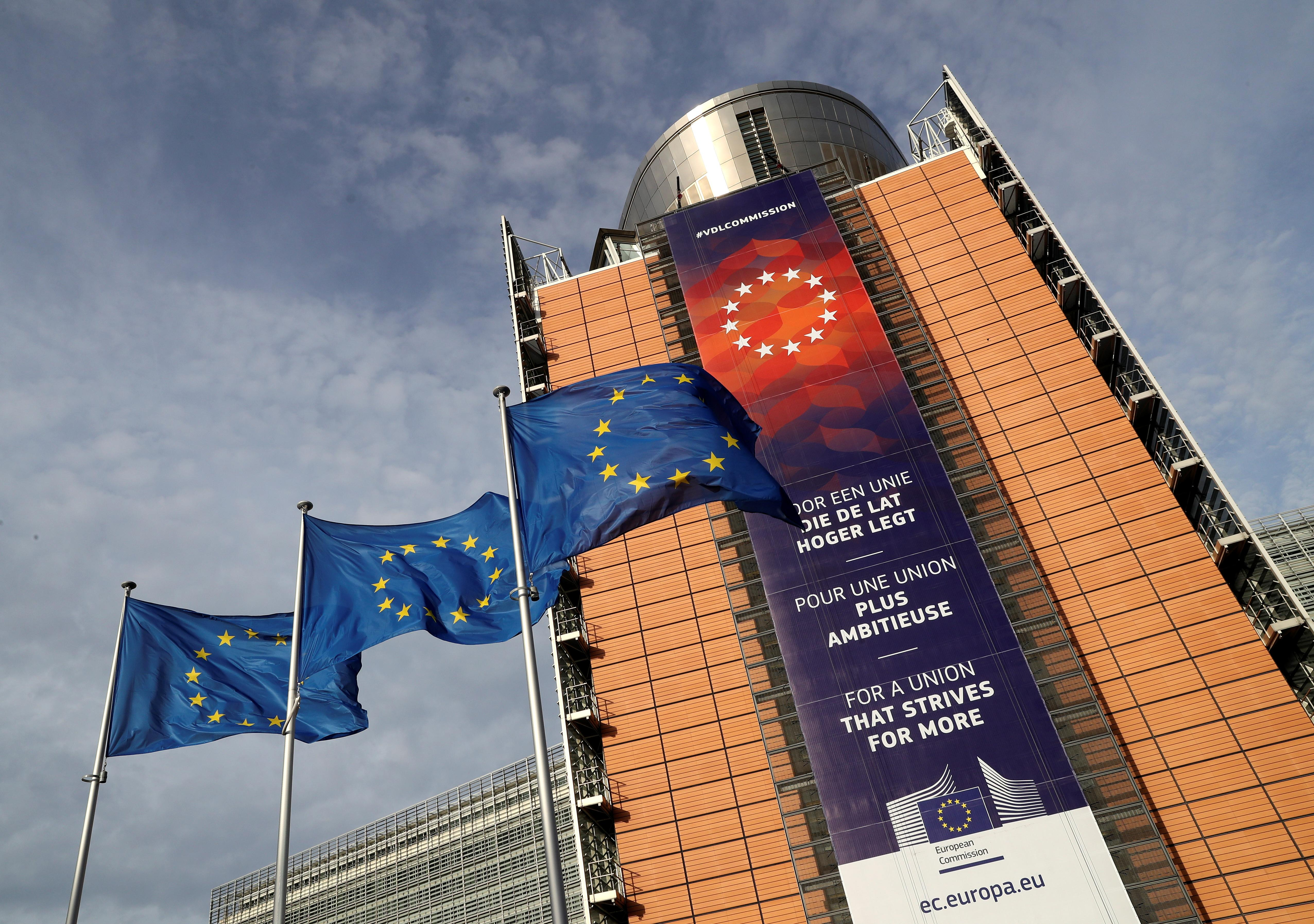 EU sets out trillion euro plan to avert 'climate crash'