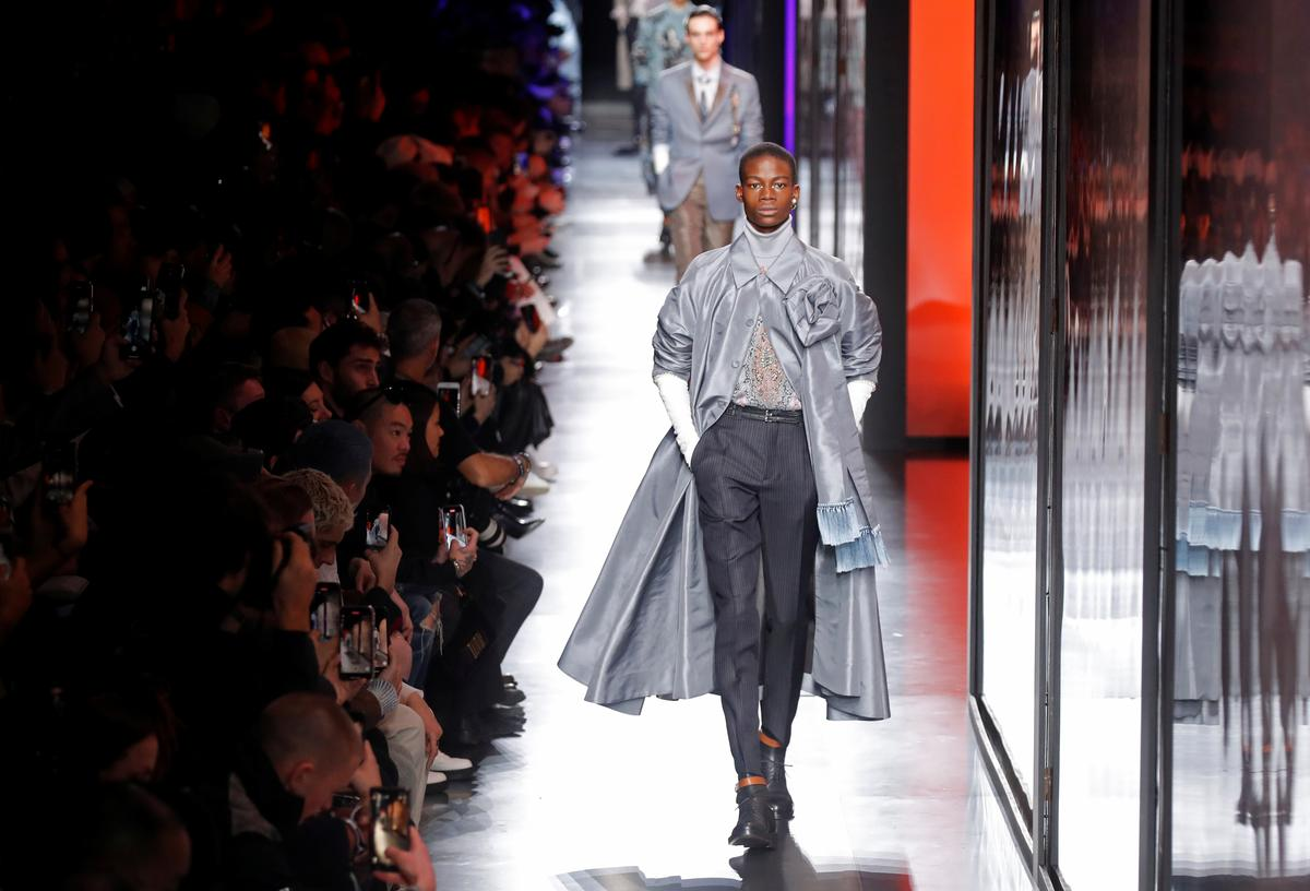Elegant Kim Jones collection stars on Dior menswear runway