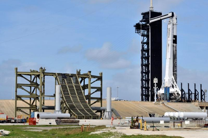 SpaceX capsule splashes down after rocket failure test