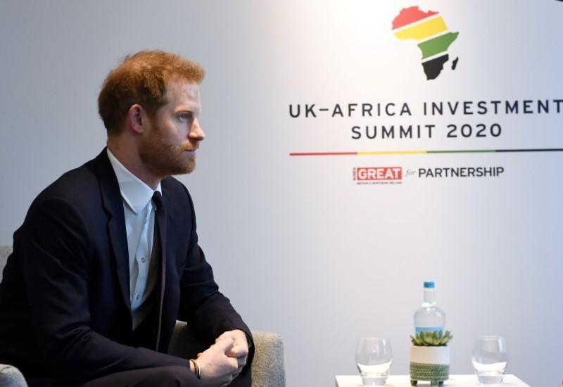 UK's Prince Harry warns photographers over paparazzi shots: Sky News