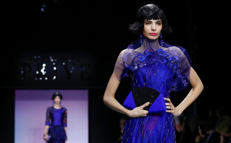 Armani pairs stern tailoring with vibrant colors for Paris show