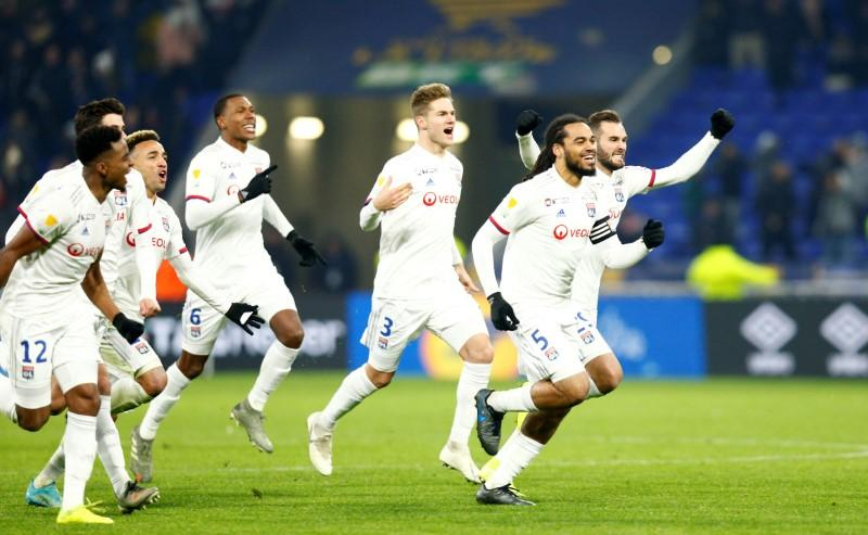 Lyon beat Lille on penalties to reach League Cup final