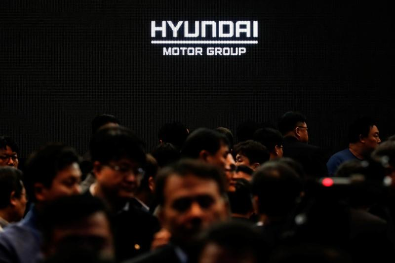 Activist hedge fund Elliott sells stakes in Hyundai Motor...