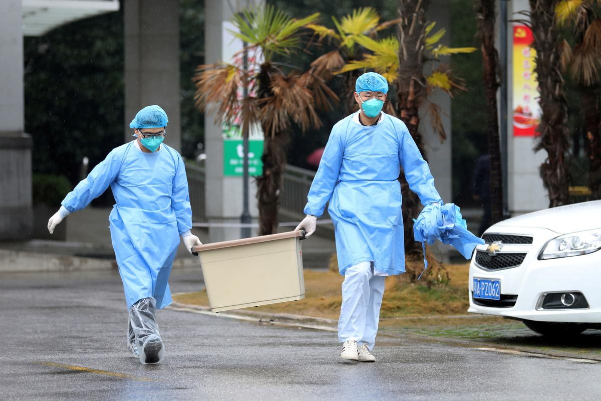 Chinese virus-hit city of Wuhan closes transport networks: state media