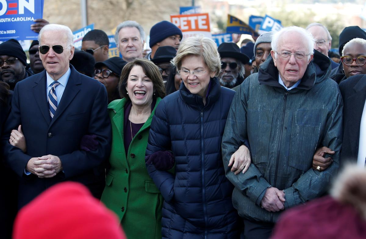 Democratic White House contenders face first test in Iowa