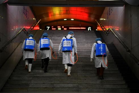 China battles deadly coronavirus outbreak