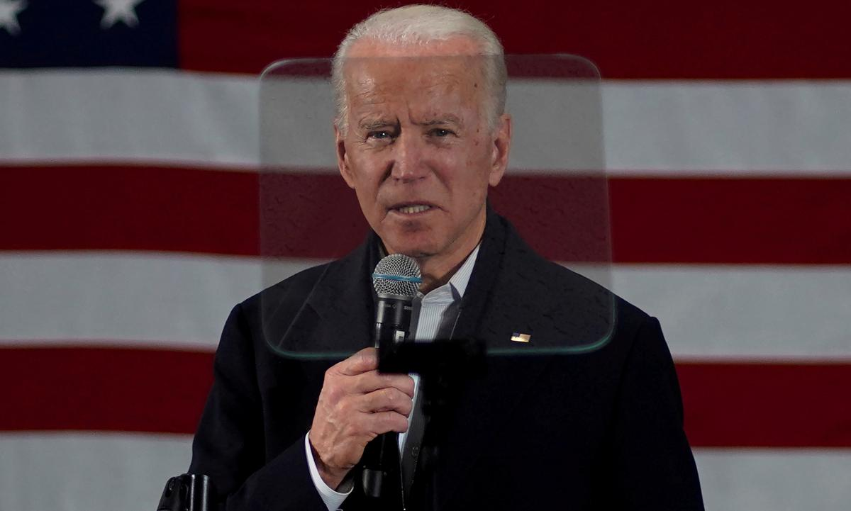 Biden wins support of large electrical workers union