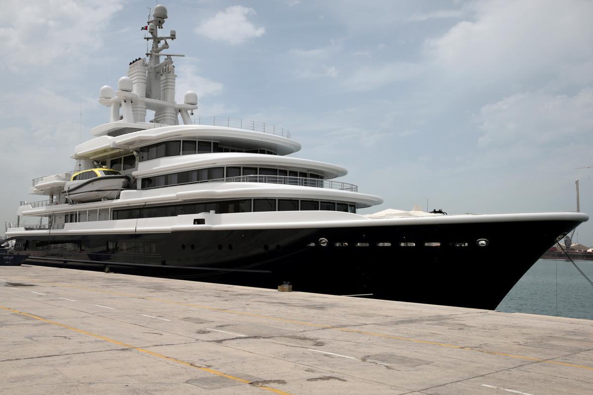 Dubai court rules against superyacht freeze order in divorce battle