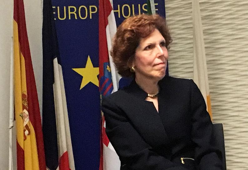 Mester says Fed working with private sector to develop faster payment system