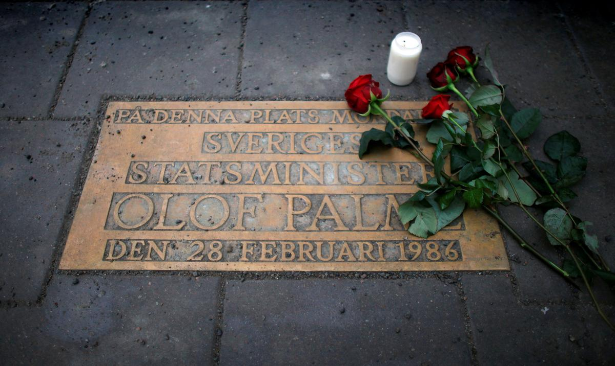 Swedish prosecutor says may be close to solving Palme's 1986 murder