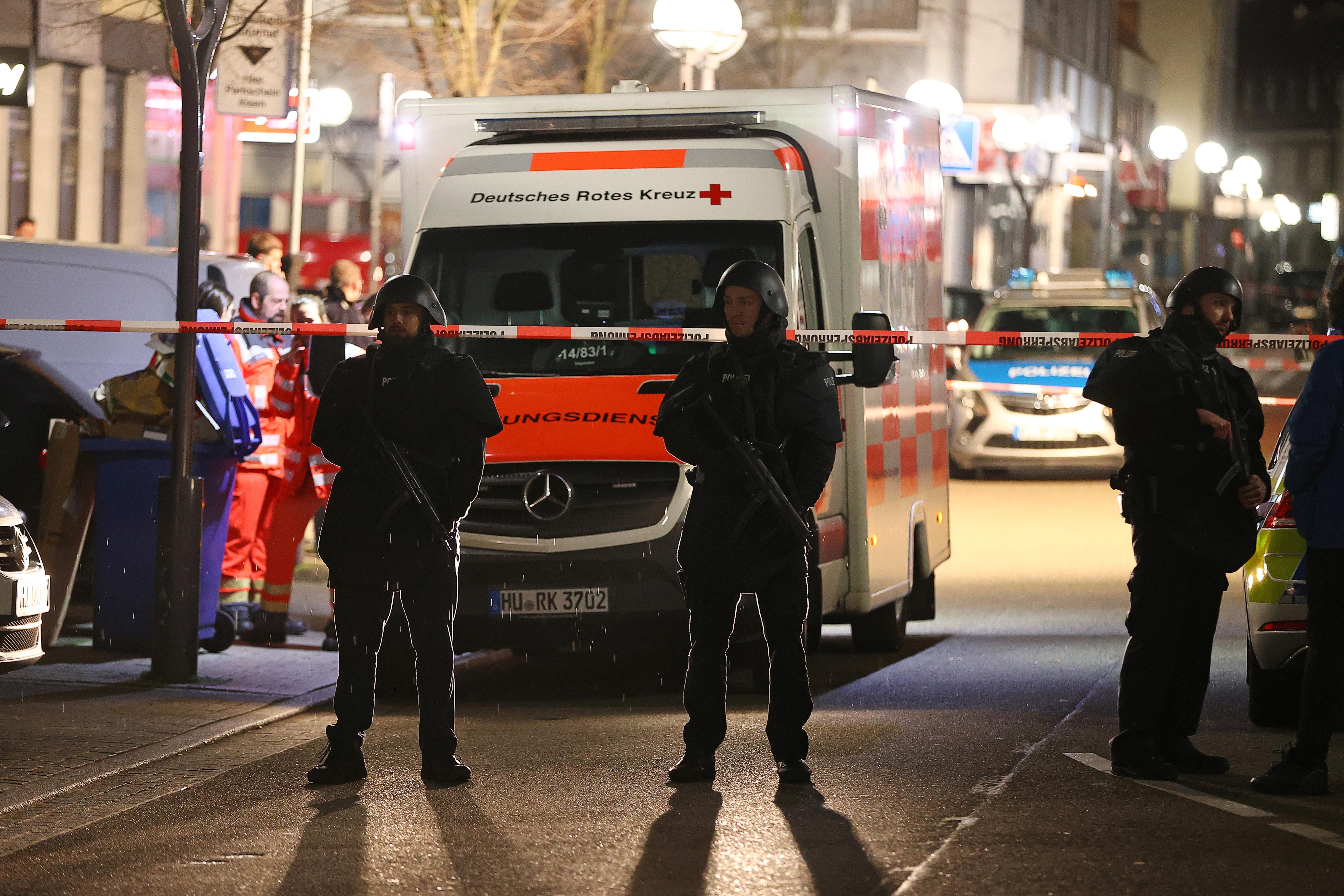 German gunman kills nine in attack on migrant bars