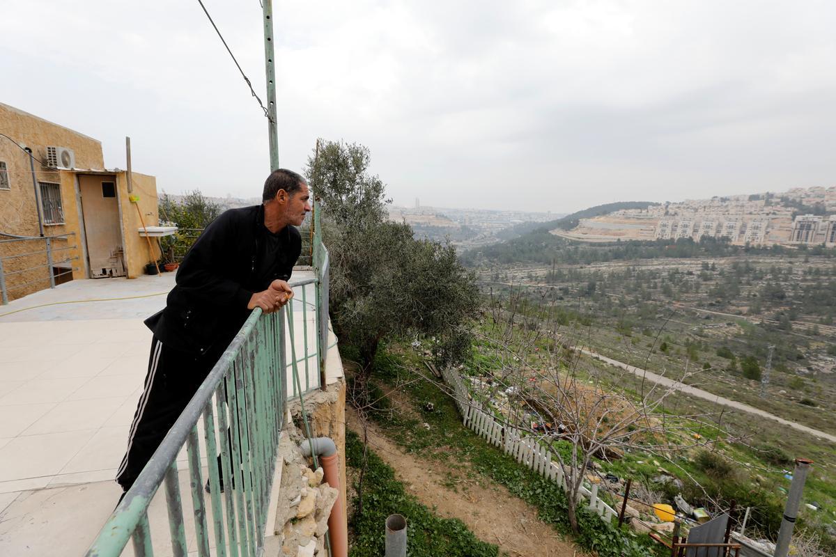 'Feels like prison': Palestinian family cut off from West Bank village by Israeli barrier