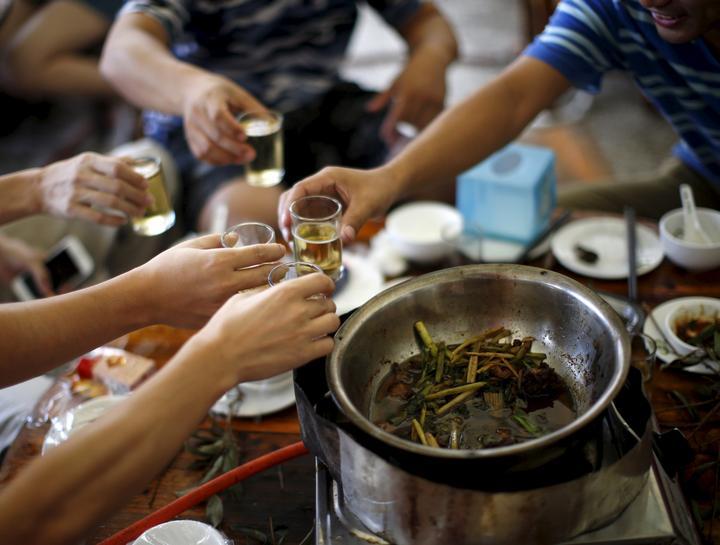 コウモリ 食べる 中国
