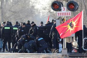 Blockades across Canada to protest pipeline