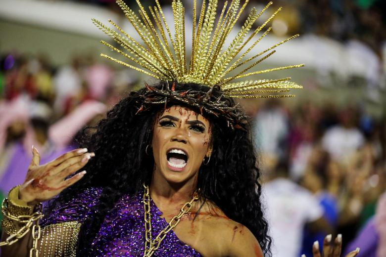 Drum queen Evelyn Bastos of Mangueira samba school performs during the first night of the Carnival parade at the Sambadrome in Rio de Janeiro, Brazil. REUTERS/Pilar Olivares