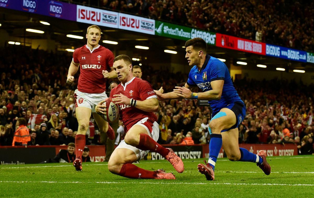 North urged to seek advice after latest head injury