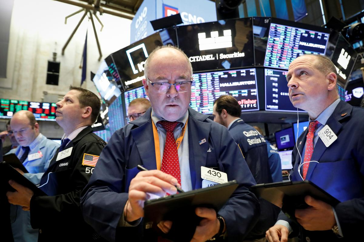 Stocks, oil fall further on accelerating coronavirus concerns