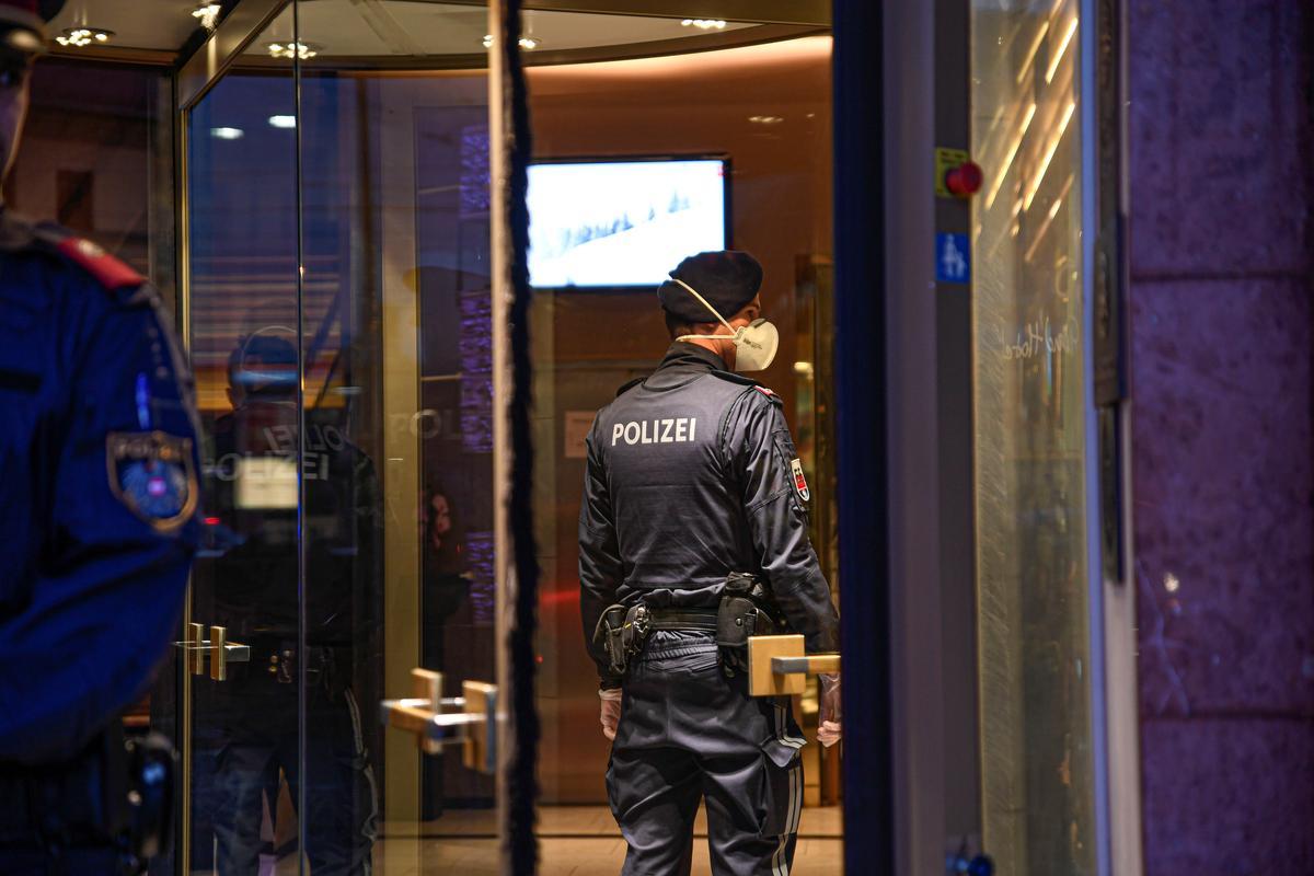 Austria quarantines a dozen people after first coronavirus cases
