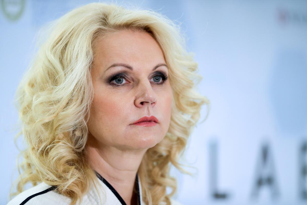 Russia suspends some South Korea flights, Iranian visas over coronavirus