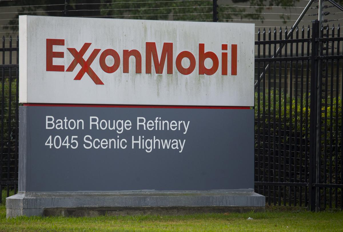 Exxon to begin restart of Baton Rouge, Louisiana, refinery this weekend: sources