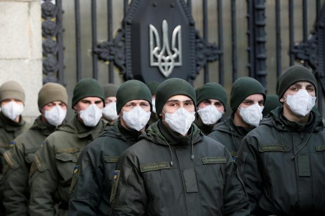 stash surgical mask