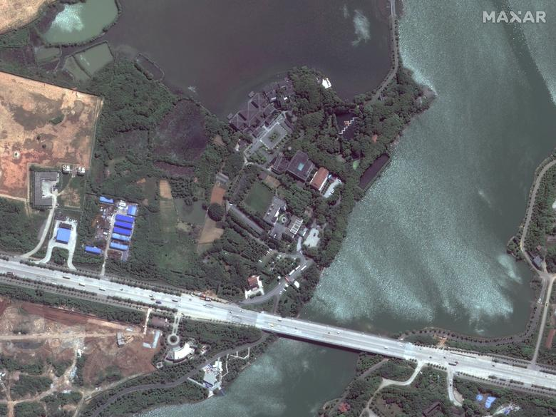 ДО: Больница Хуошеншань, Ухань, Китай, 28 апреля 2017 года. Спутниковое изображение 2020 Maxar Technologies / Раздаточный материал через REUTERS