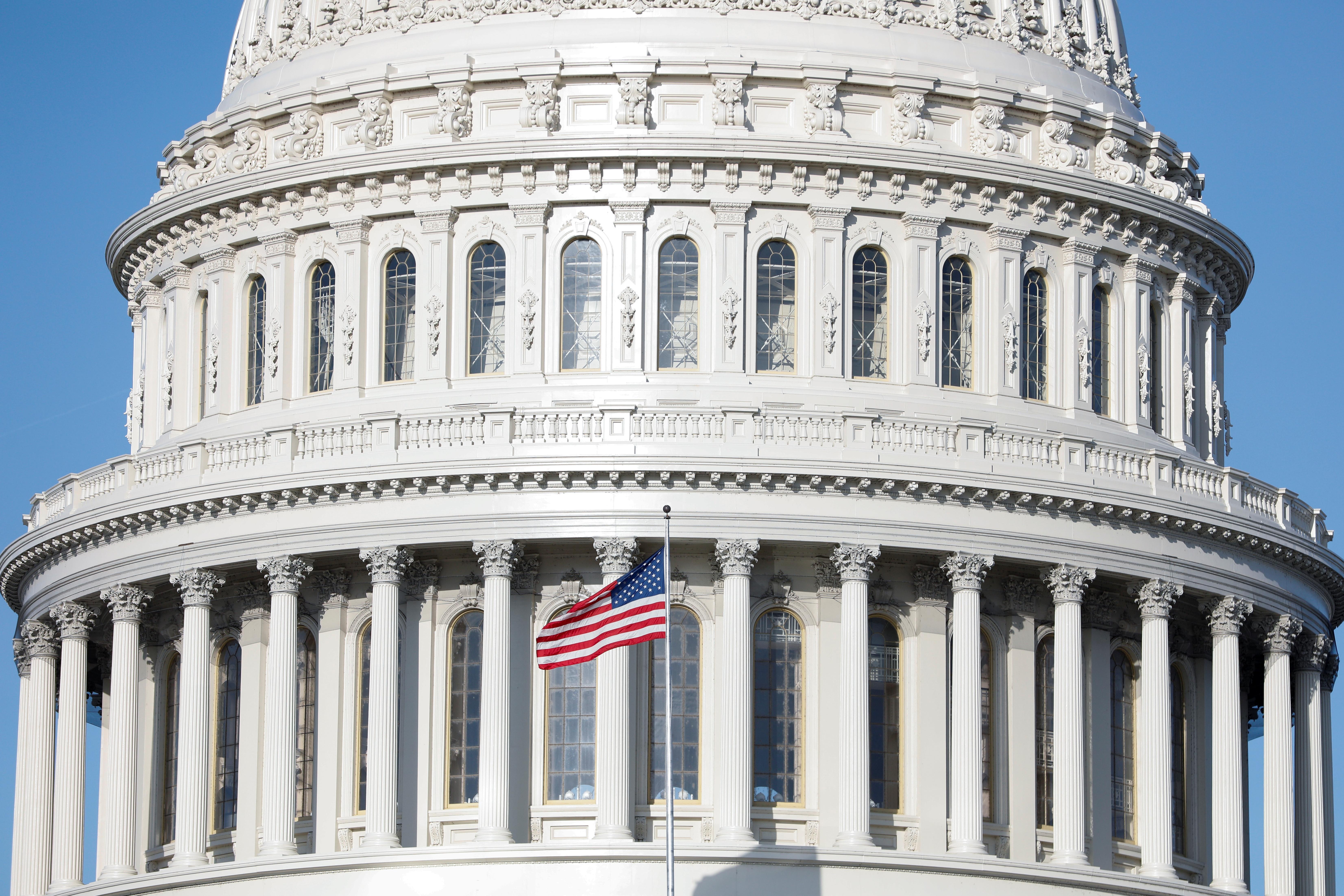Le Sénat américain se prépare à voter sur un ensemble d'aide aux coronavirus tout en travaillant sur un autre