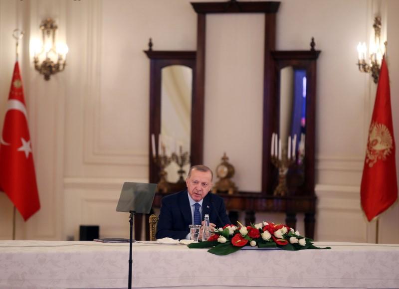 اردوغان يعلن عن حزمة إجراءات بقيمة 15 مليار دولار لدعم الاقتصاد التركي