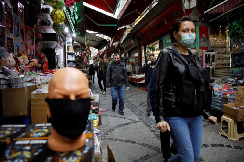 Turkey will hire more medics, stop exporting face masks: minister