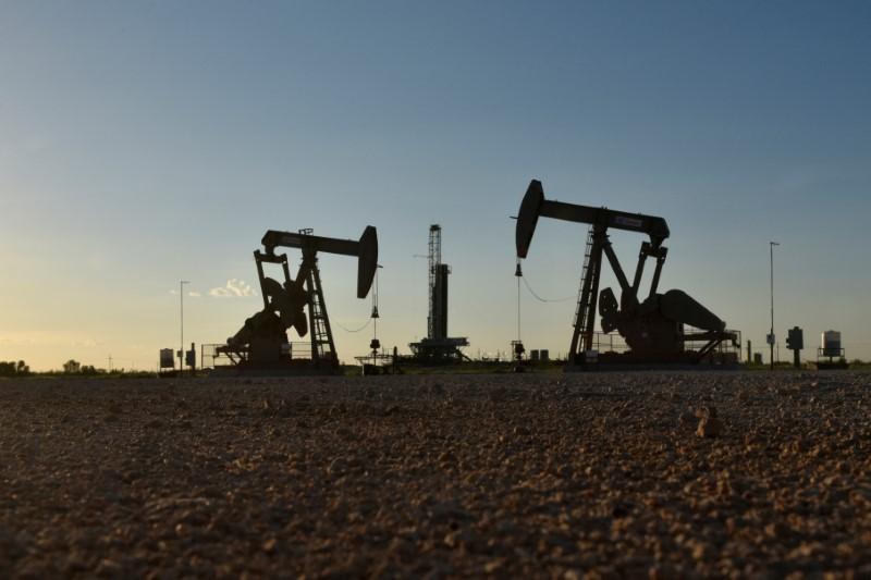 U.S. drilling lease sales draw few bids during oil market meltdown