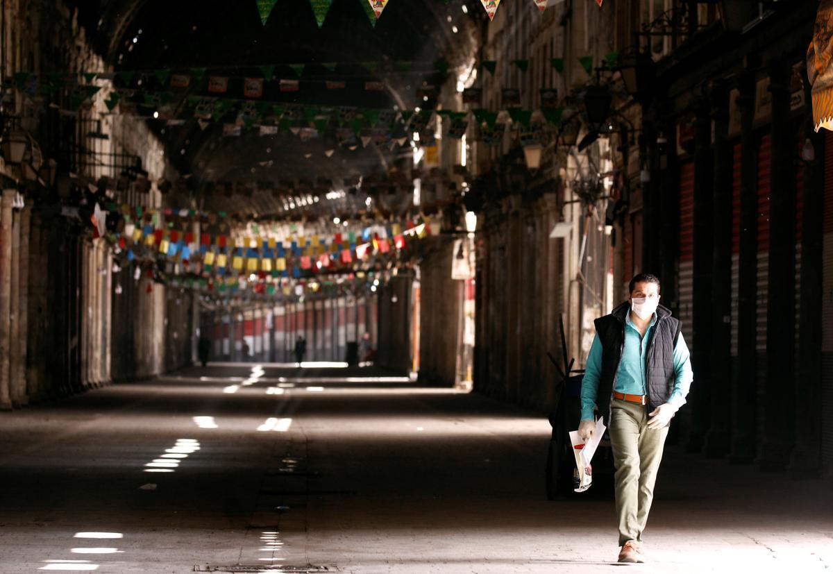 Syria adds night curfew to coronavirus curbs