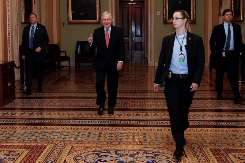 La colère monte au Sénat américain alors que le vote approche d'une facture de 2 billions de dollars sur le coronavirus