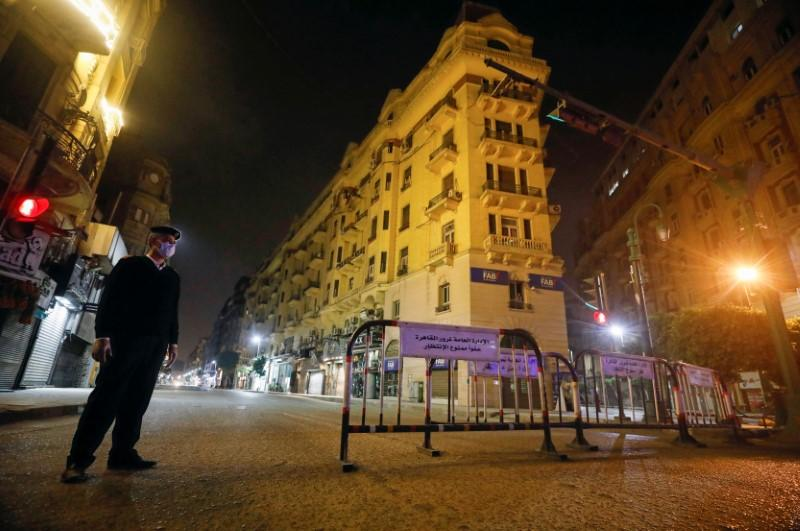 Cairo, the city that never sleeps, shuts for coronavirus night-time curfew