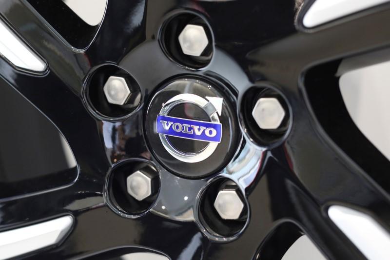 Geely's Volvo Cars warns virus outbreak to hit 2020 earnings