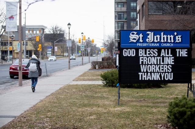 Canada Border Towns Petrified By Prospect Of Looser U S Coronavirus Measures Reuters