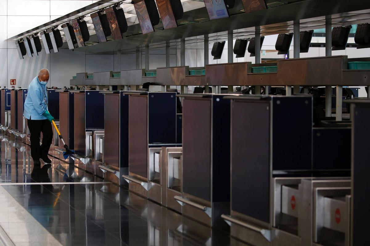 Travel slump, sick staff force cash-worried U.S. airports to downsize