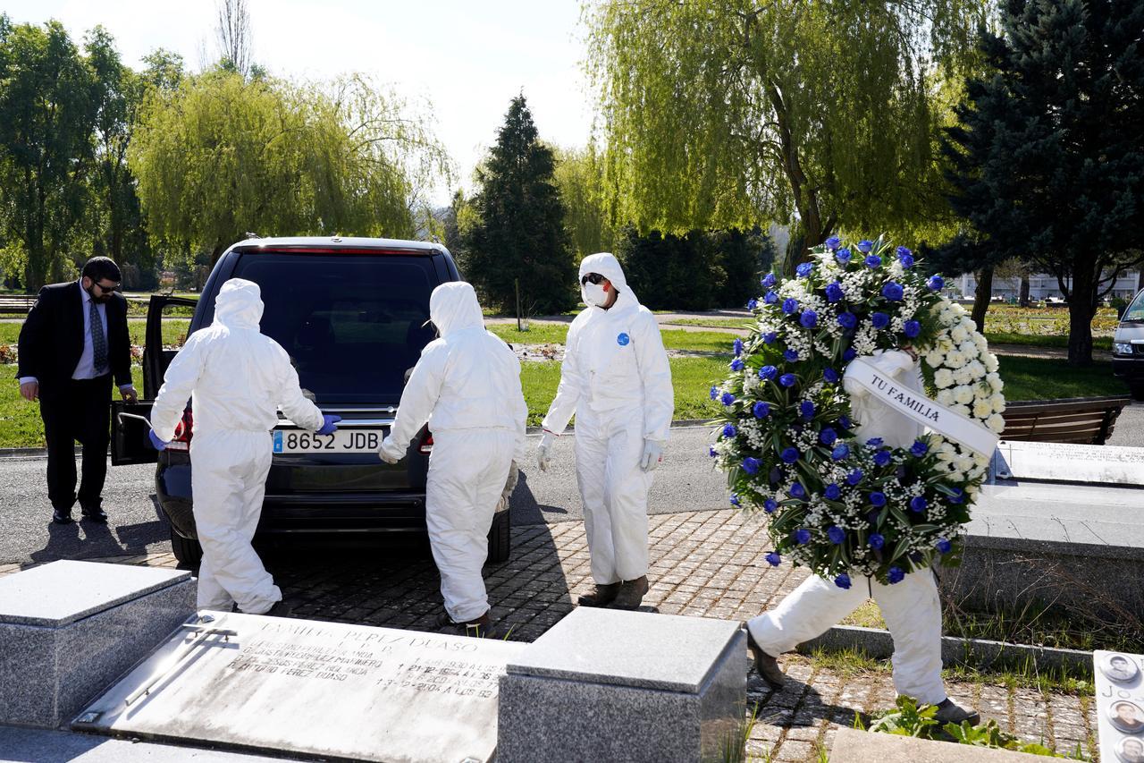 Spain's coronavirus death toll rises by 769 overnight to 4,858 ...