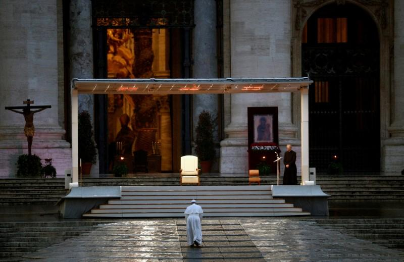 Pope holds dramatic solitary service for relief from coronavirus ...