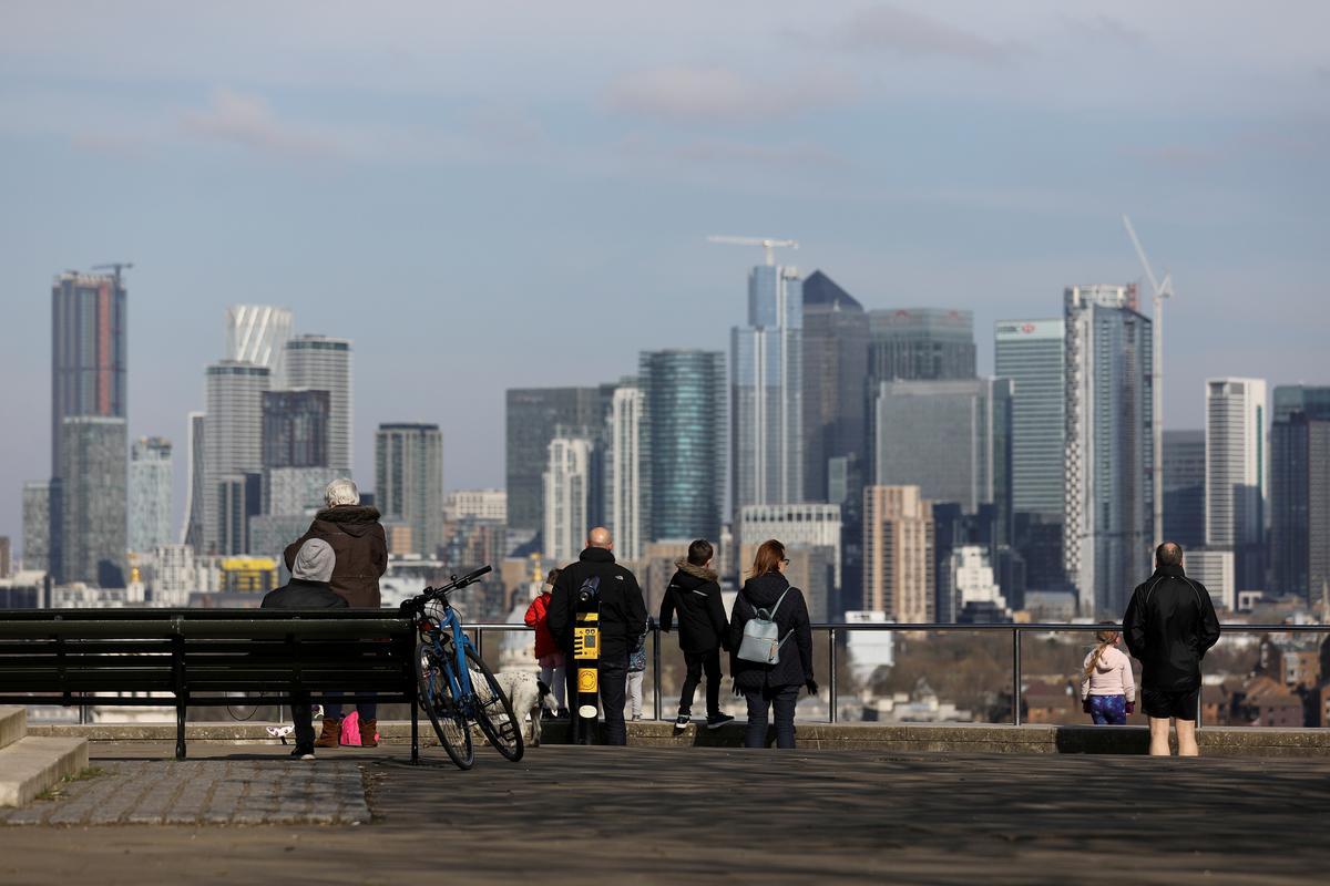 UK business confidence crashes on coronavirus hit: Lloyds