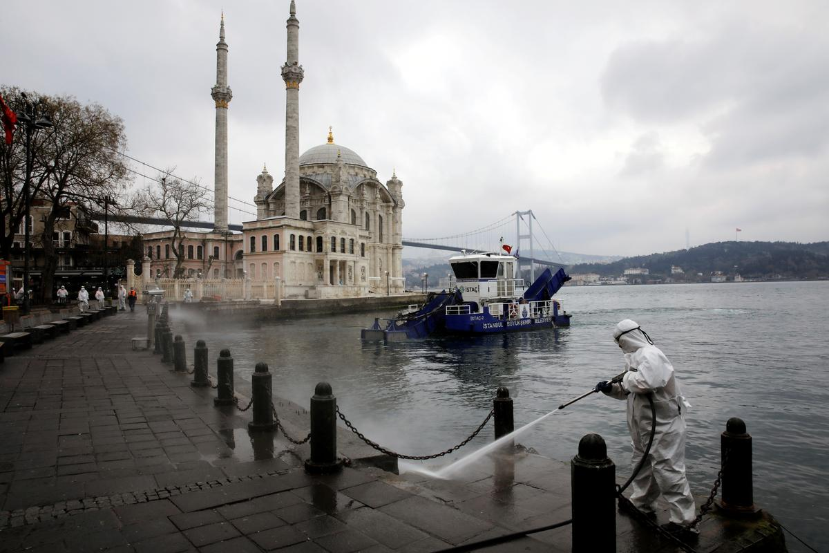 Turkey could tighten coronavirus controls as strains, criticism grow