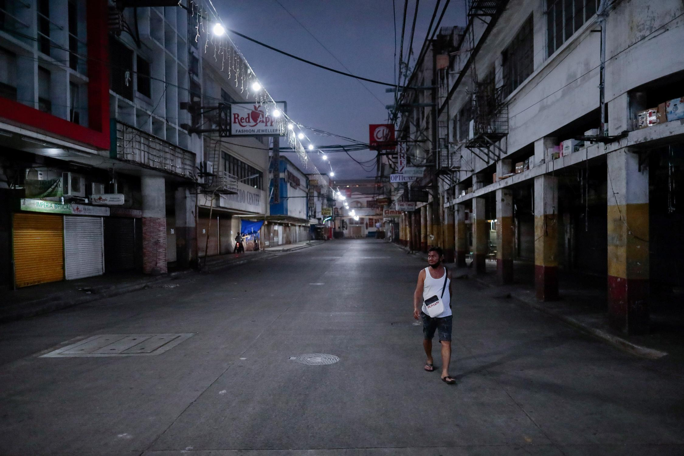 «Tuez-les morts» – Un dirigeant philippin déclare qu'il ne tolérera pas les contrevenants au verrouillage