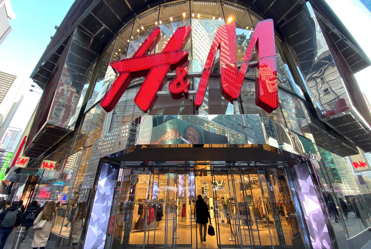 H&M in talks with tens of thousands of staff to cut working hours due to pandemic