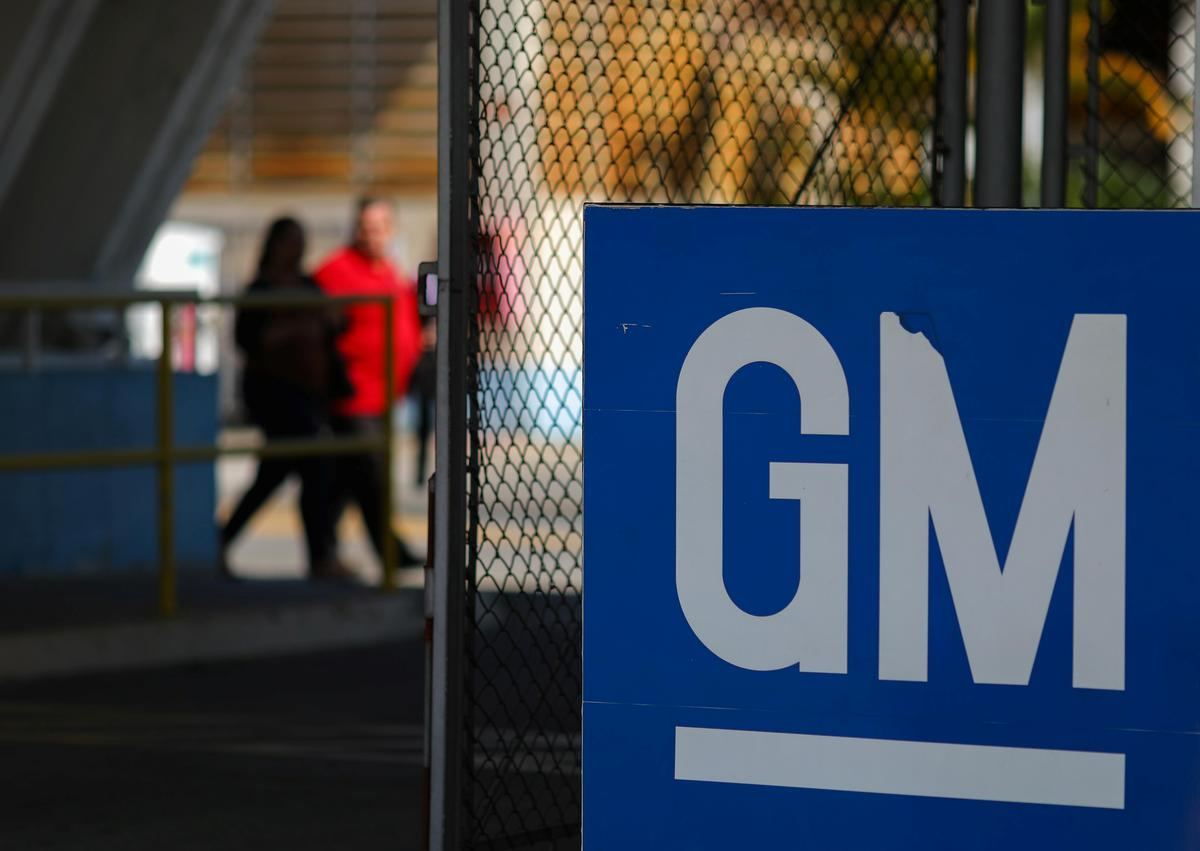 GM rolls out safety protocols for ventilator-making workers