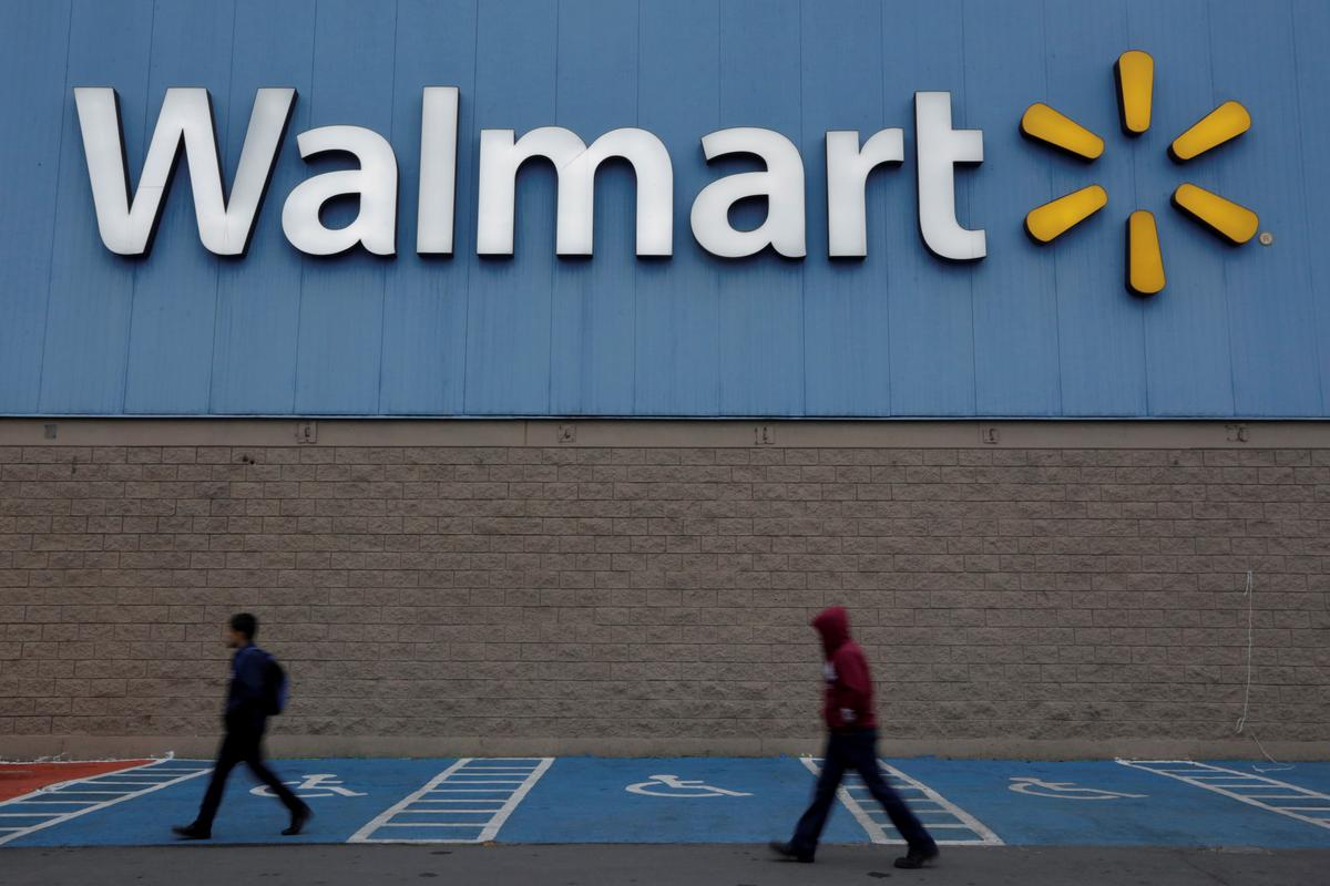Walmart's Mexico unit hires over 7,700 employees to manage higher demand