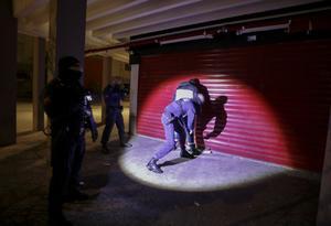 Police around the world enforce coronavirus lockdowns